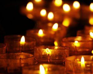 Рождественское гадание на скорлупке ореха и свече