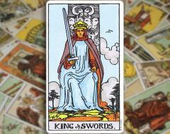King of Swords — Король Мечей